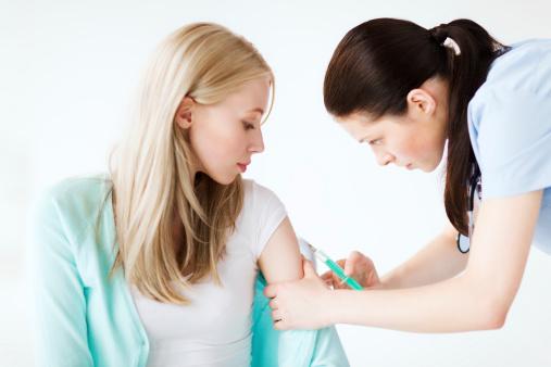 Những loại vắc xin tiêm trước khi mang thai được miễn dịch bao nhiêu năm?