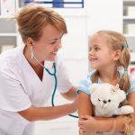 Vì sao cần Bác sỹ thăm khám trước khi tiêm phòng?