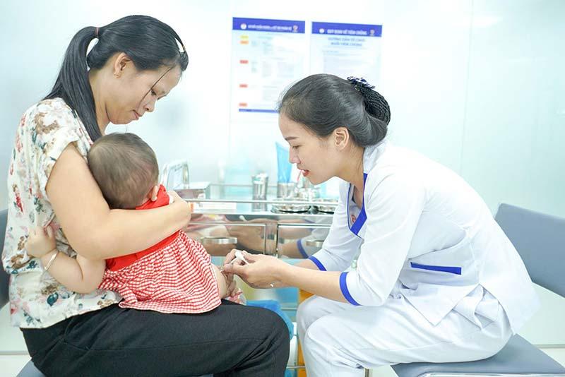 Tiêm phòng bại liệt – quyết liệt ngăn chặn nguy cơ bại liệt quay lại Việt Nam