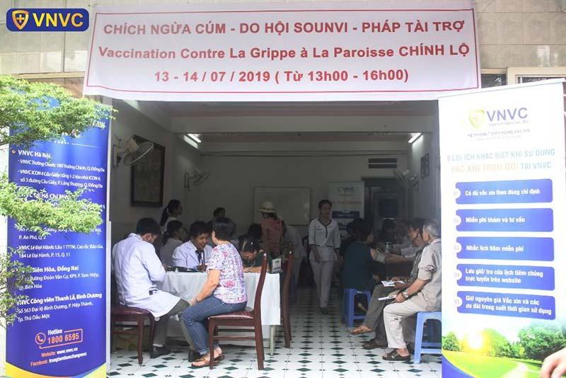 Trung tâm tiêm chủng lưu động VNVC cùng cộng đồng phòng dịch bệnh