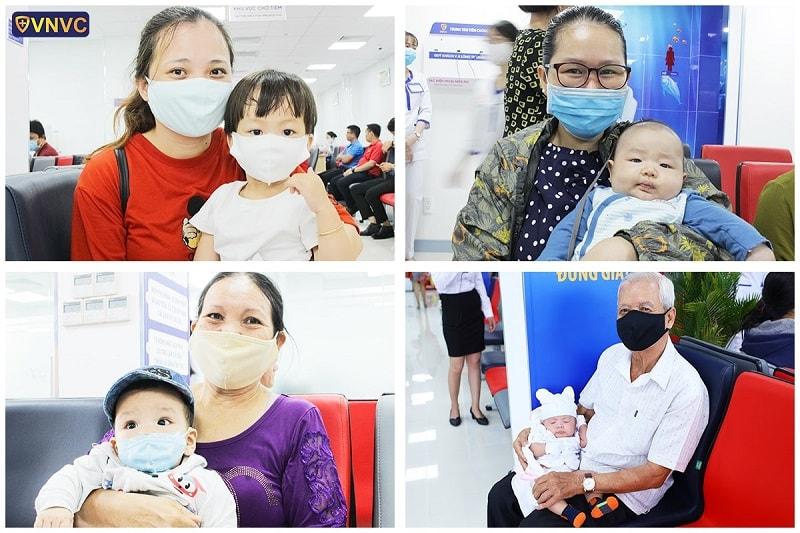 Những khách hàng đầu tiên tại trung tâm tiêm chủng VNVC Tân An-Long An