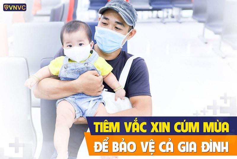 Tiêm vắc xin cúm mùa để bảo vệ gia đình