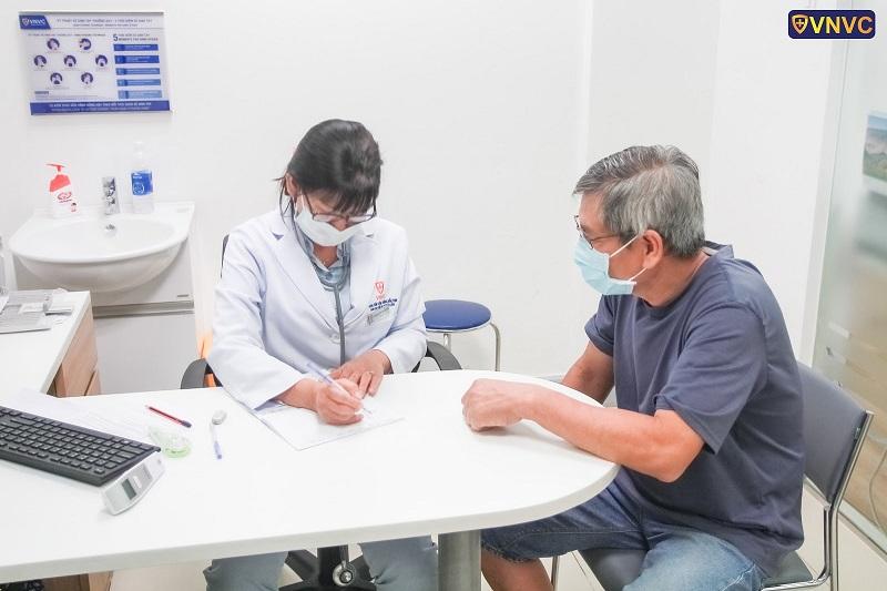 VNVC có đủ vắc xin cho người trưởng thành và người cao tuổi