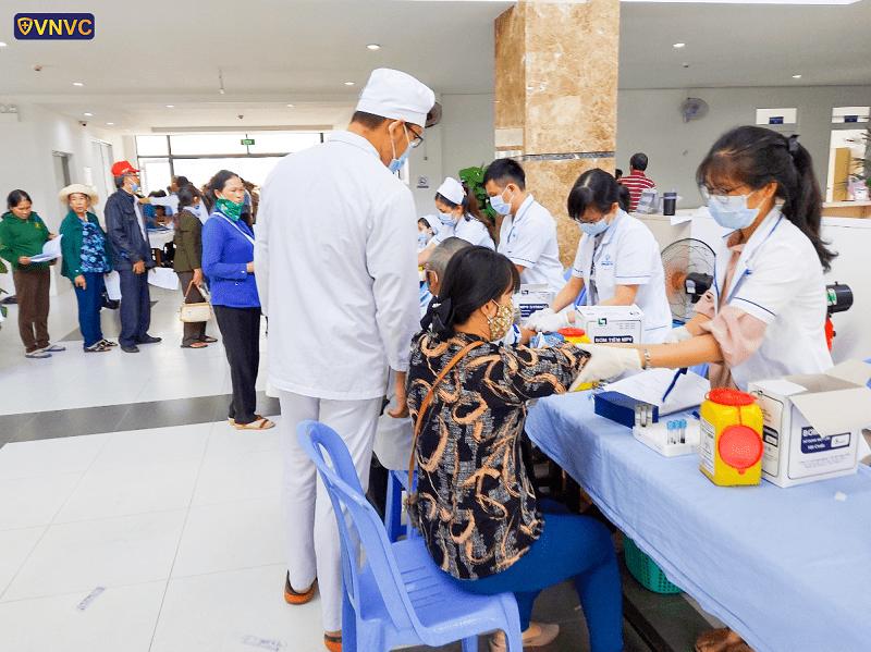 VNVC tài trợ khám sức khỏe nhạn nhân chất độc màu da cam tại tỉnh Đồng Nai (2)