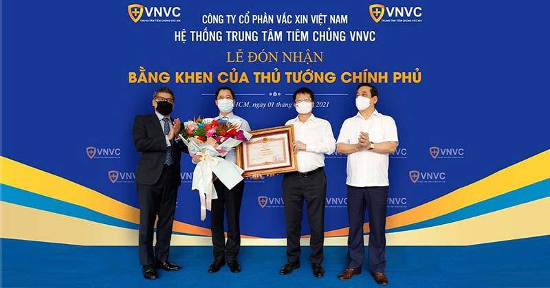 VNVC vinh dự nhận Bằng khen từ Thủ tướng Chính phủ vì thành tích xuất sắc trong công tác phòng chống dịch COVID-19