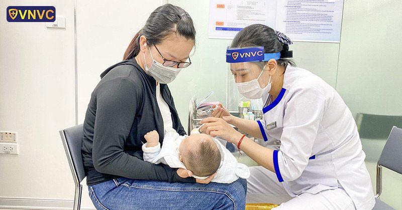 Kết thúc giãn cách mới đi tiêm vắc xin là quá trễ